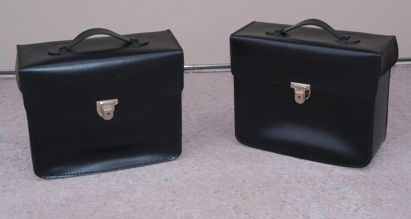 Typical Delfeld leather saddle bags offered by BMW for many years.